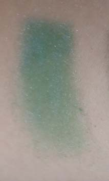 swatch ombretto verde smeraldo fatto in casa sfumaturemakeup & beauty